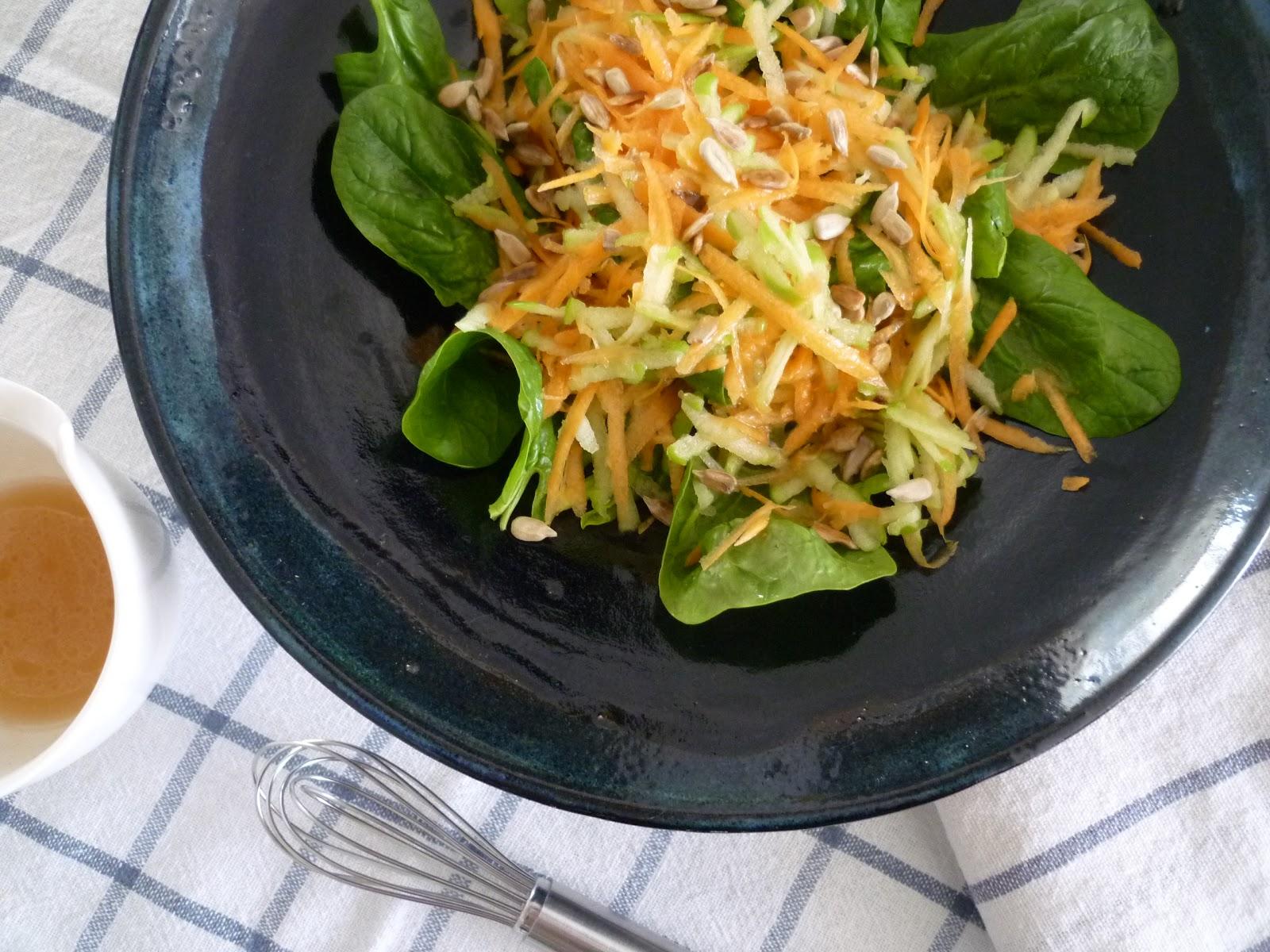 Ensalada de Zanahoria + Manzana Verde + Hojitas de Espinacas + Semillas Girasol - 04