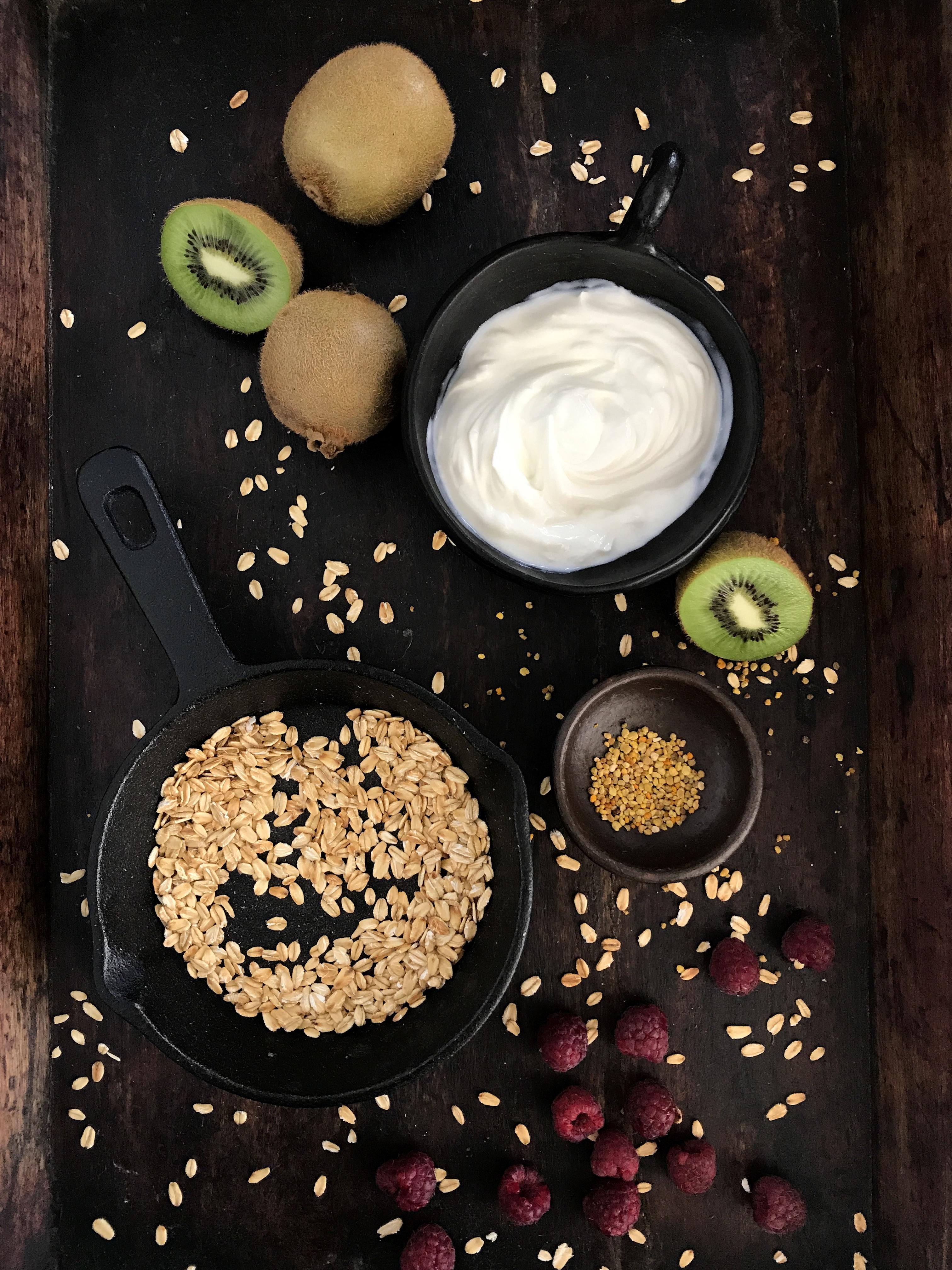 bowl de yogurt avena y frutas