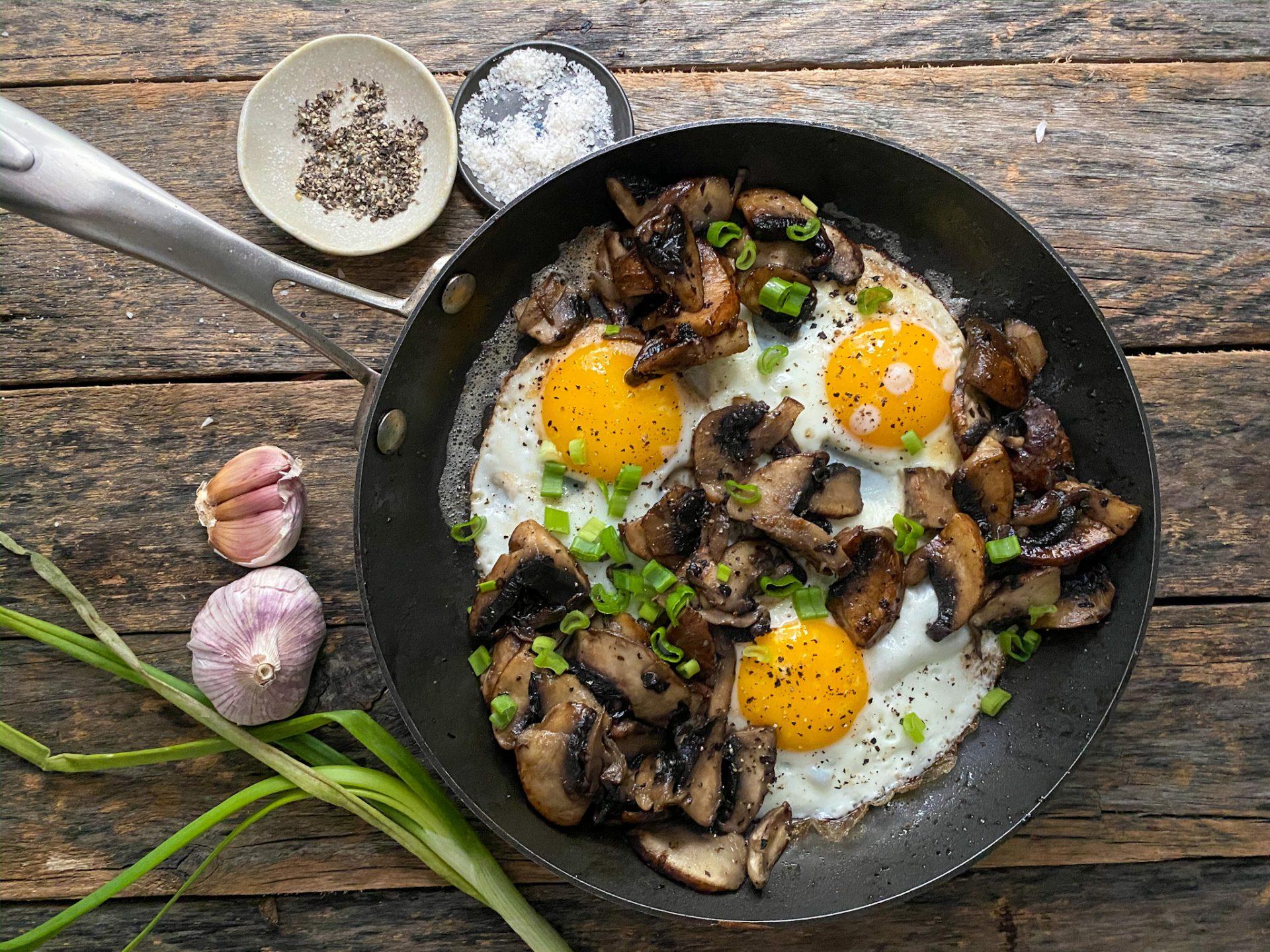sarten de huevos con portobello